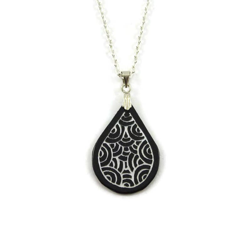 Eco-friendly black teardrop necklace with iridescent doodles image 0