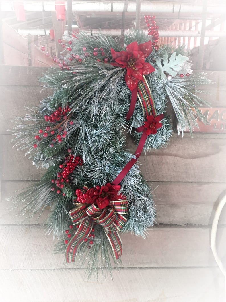 Frosted horse head wreath Cowboy Christmas Christmas Horse Head Wreath Country wreath Holiday gift for equestrians Horse lovers gift