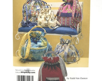 Simplicity 3531 Faith Van Zanten Bags in Three Sizes Drawstring with Handles Uncut Craft Sewing Pattern