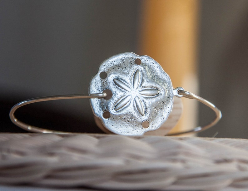 ae80d49dcc6 Sand Dollar Bangle/SandDollar Bracelet/Ocean Jewelry/Sailor | Etsy