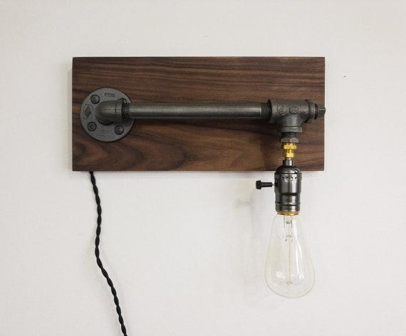 Applique murale industrielle noyer tuyaux en fer noir ampoule