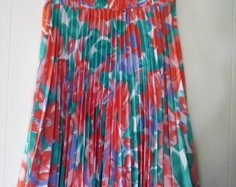 Vintage Floral Pleated Skirt