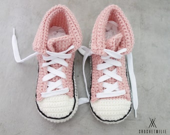 Kids cool crochet slippers (sizes 7 to 3.5) - shoes style - great gift idea - home shoes - modern - wool slippers - crochet slippers - knit