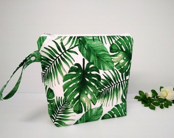 Wet bag, beach bag, nappy bag, waterproof PUL bag - green leave