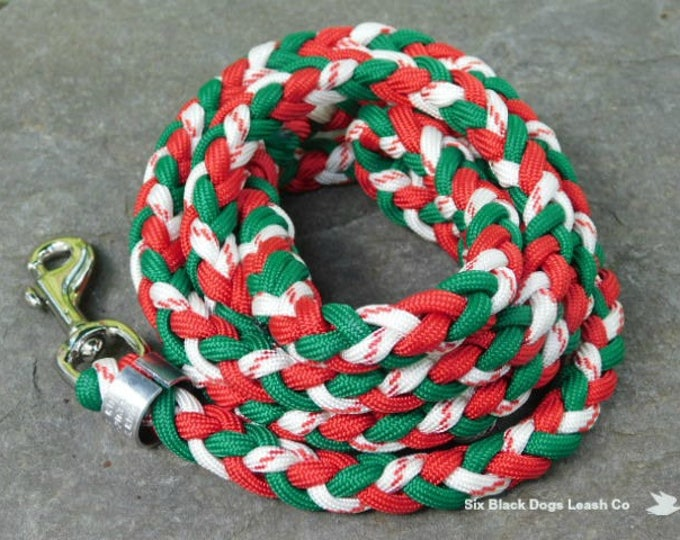 SALE! 4' Green/Red/Candy Cane Snap Bolt Leash  Free Shipping!