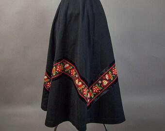 Vintage 60s Skirt, Vintage 60s European Skirt, 60s Ethnic Skirt Floral Trim, Retro 60s Eastern European Design , 60s Flare Skirt