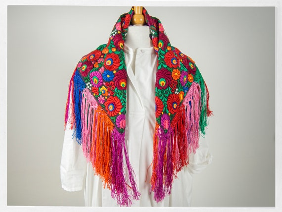 Vintage 90s Shawl, Stunning  Mexican Floral Embro… - image 2