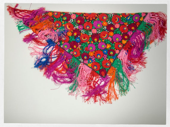 Vintage 90s Shawl, Stunning  Mexican Floral Embro… - image 3