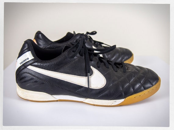 Retro NIKE Sneakers, Retro NIKE Kicks, Retro NIKE