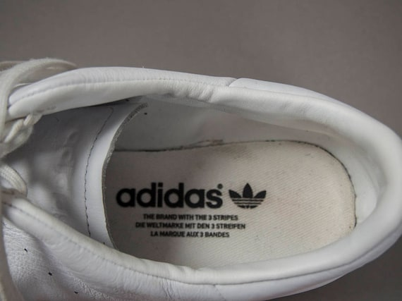 Vintage 90s Fashionable White Leather Pointy Adidas Sneakers, Retro Adidas White Leather Sneakers FREE SHIPPING to Canada and U.S.A.