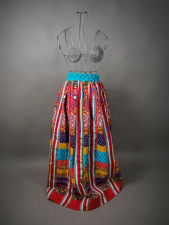 RESERVE till oct 27——— Work Skirt, Hippie Quilted