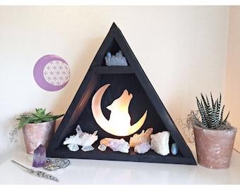 Wolf crystal shelf