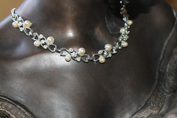 Sarah Coventry Pearl Rhinestone Necklace - image 4