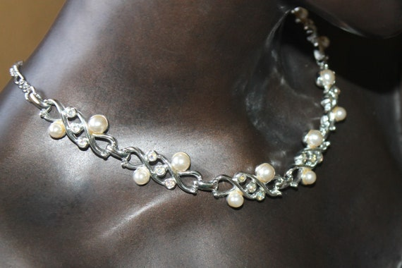 Sarah Coventry Pearl Rhinestone Necklace - image 3