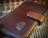 Smartphone flip case with single space for notes and receipts - made in the UK using British leather