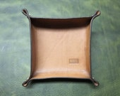 Leather tray, desk tidy, dice tray