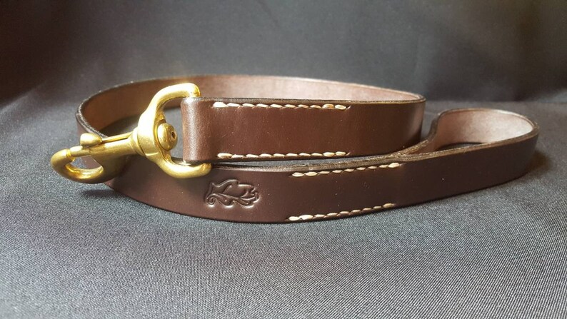 Leather dog lead made from brown bridle leather image 0