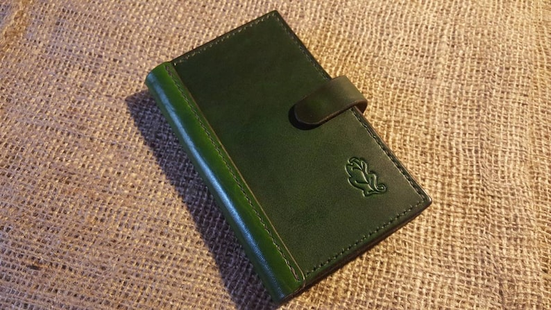 Smartphone wallet with space for bank cards notes and image 0