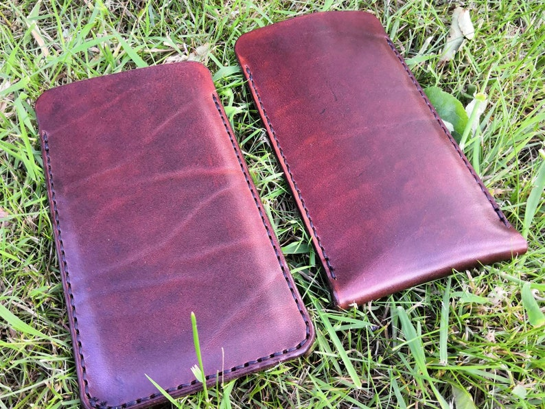 Protect your smartphone iPad or laptop with a slip-in leather image 0
