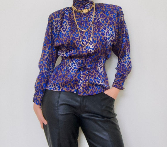VTG Satin Leopard Print High Neck Blouse with Shou