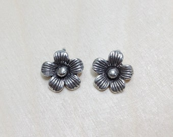 Flower sterling silver oxidized charms 2 pcs // S*4