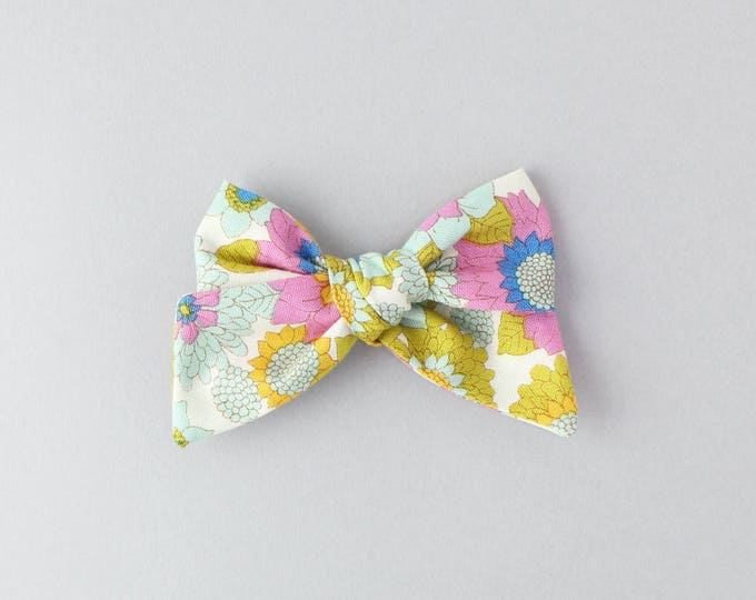 Retro floral // Sailor bow