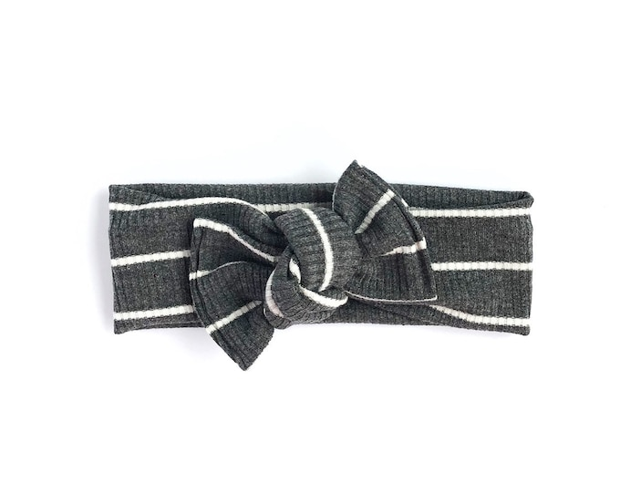 Grey + white rib // Tie on