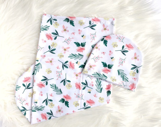 Delicate flower // Swaddle set