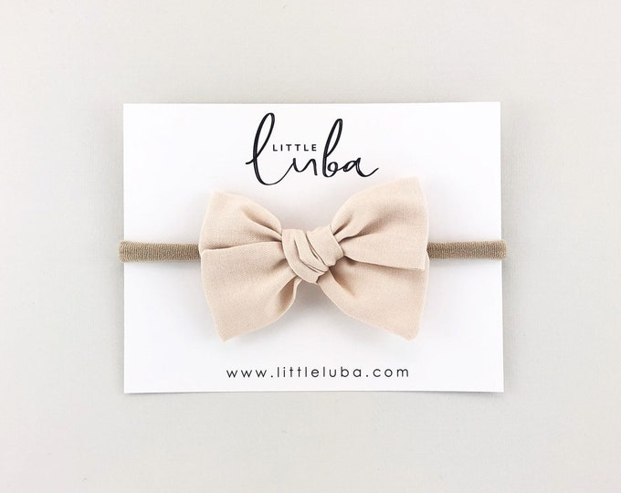 Cream  // Sailor bow