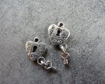 2 charms small key and heart