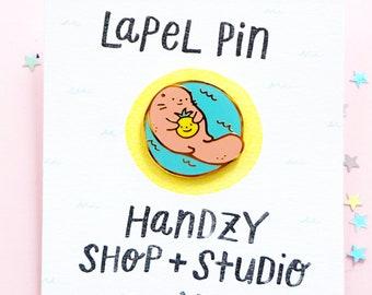 Handzy + Leigh Collab - Otter Enamel Pin