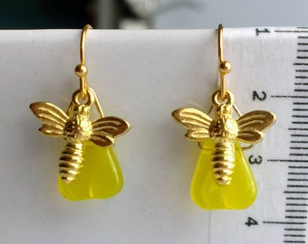 Oh, Honey! earrings