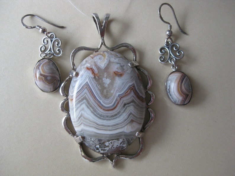 Crazy Lace Agate Sterling Silver Pendant and Earrings Set No. image 0