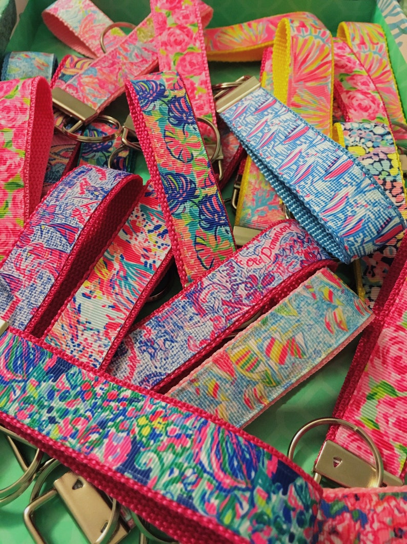 Lilly Pulitzer Key Fob (35 Different Prints), First Impression, Exotic  Garden, Lilly Pulitzer Wristlet, Lets Cha Cha, Psychedelic Sun, Mini