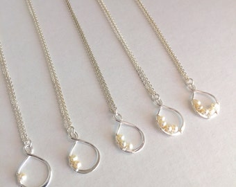 Bridesmaid Infinity Pearl Necklace, Sterling Silver Necklace, Mother's Necklace, Freshwater Pearl Necklace, Bridal Necklace,Friends Necklace