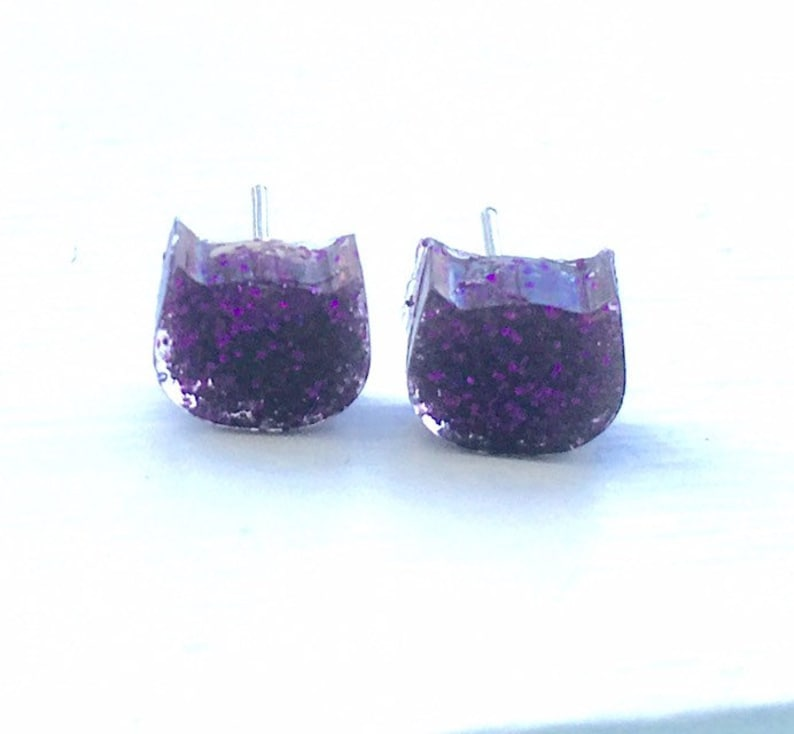 Cat Resin Studs, Glitter and Sparkle, Deep Plum, Prom Accessories, Kitty  Lover, Glitter Gift, Dainty Gifts, Animal Lovers