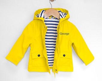 yellow raincoat para