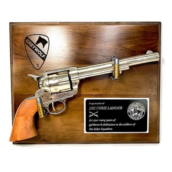 Pistol Plaque