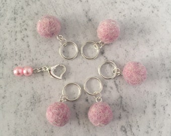 Snag free Stitch Markers, Pale Pink, Set of 6, Heart Locking Stitch Marker, on Safety Pin, for Knitting.