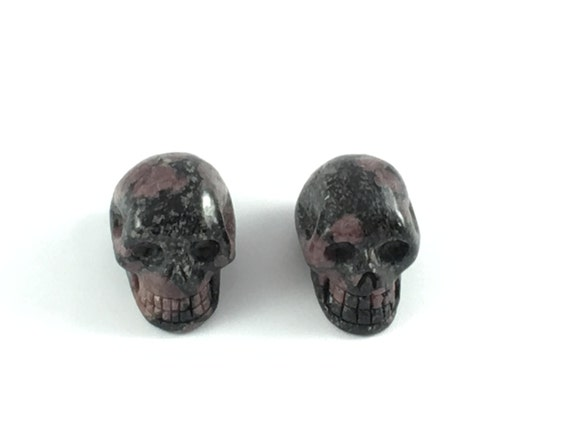 Black Spinel with RUBY Skulls// Carved Skull// Healing Gemstones// Home Decor// Healing Tools// July Birthstone//