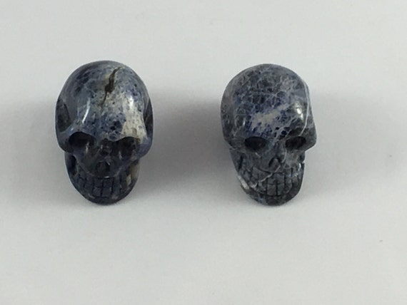 SODALITE Skulls// Carved Skull// Healing Gemstones// Home Decor// Healing Tools// All Chakras// from Mexico