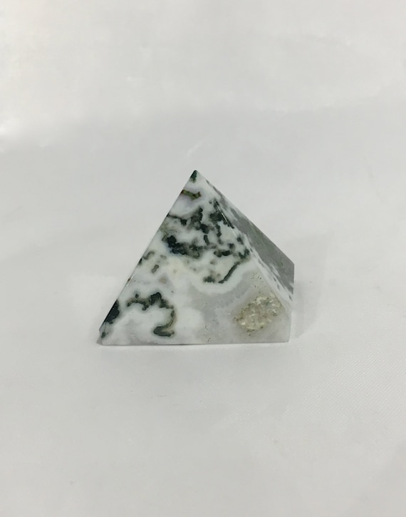 TREE AGATE Pyramid// Tree Agate// Crystal PYRAMID// Agate Pyramid// Stone Carved Pyramid// Healing Crystals// Healing Tools// Home Decor