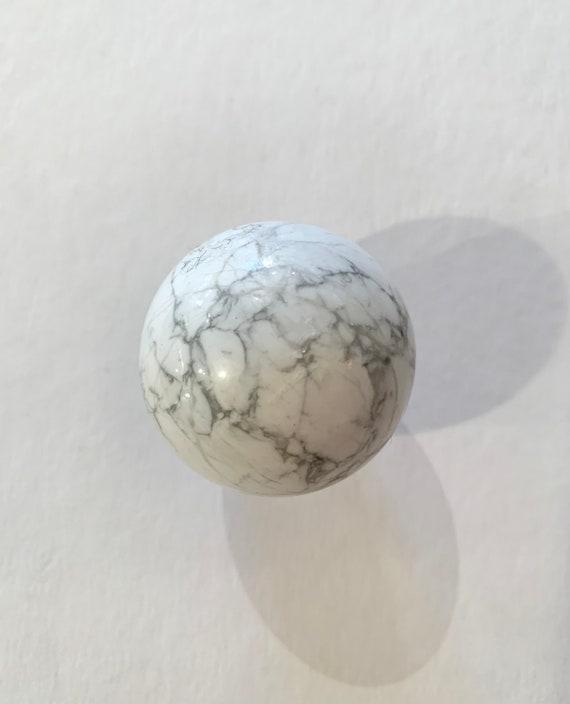 WHITE HOWLITE Sphere// Howlite Sphere// Crystal Sphere// Healing Gemstone// Crystal Ball// Home Decor// Healing Tools// Howlite Orb