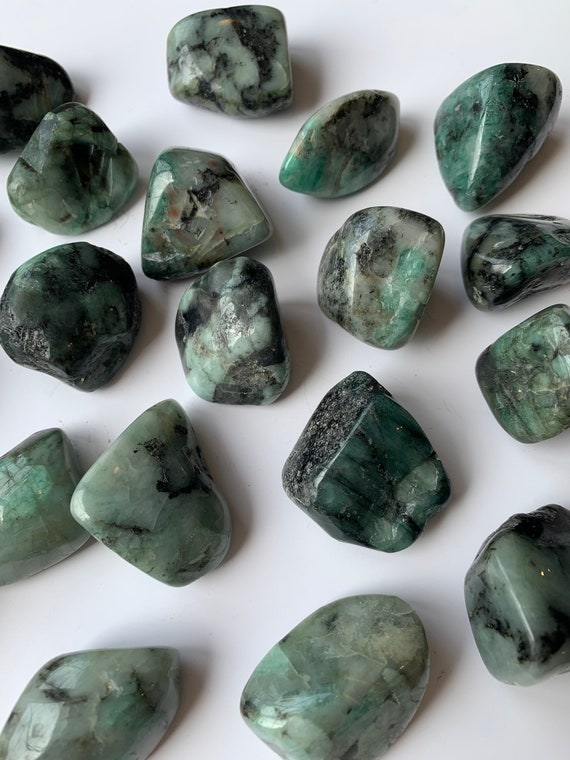 Beautiful Tumbled EMERALD Healing Gemstones/ Emerald Tumbled Stones// MAY Birthstone/ Healing Crystals// Healing Tools/ BIRTHSTONES// Heart