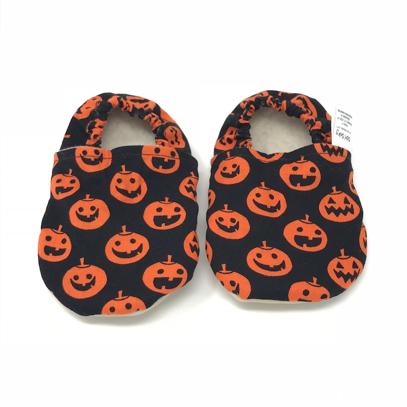0985e2d0550d6 Halloween soft sole baby shoes - Modern infant moccasins - Soft baby shoes  unisex - Toddler/ Baby Slippers- Baby shower gift - Cr