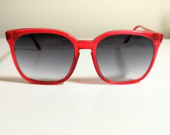 a65d93dca8 Retro Red Italian Sunglasses Morgan Taylor 1980 s Summer Fashion Eyewear