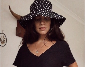 ddb18d99c6f Vintage 90s    COTTON BUCKET HAT    Polka Dot Designer Minimal Sun Hat