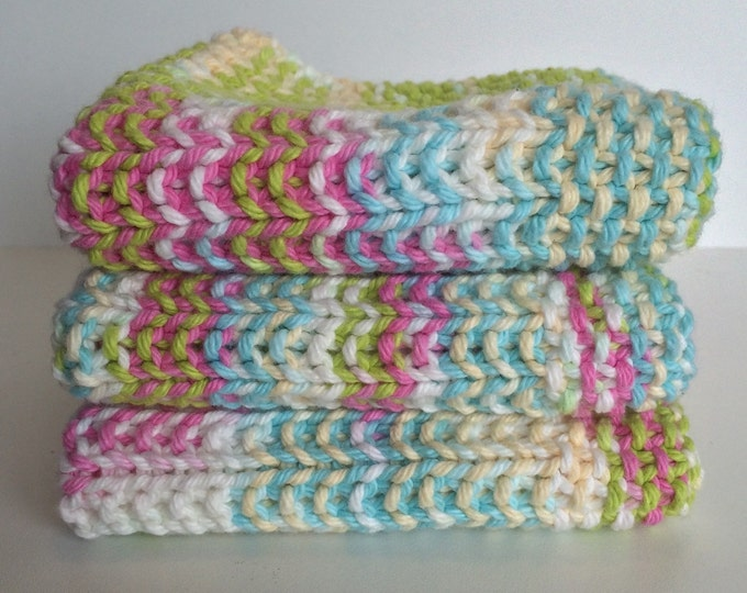 knitted washcloth / gift basket ideas / baby shower gift / knit dishcloth / handmade baby gift / eco friendly gift / baby gift / pastels
