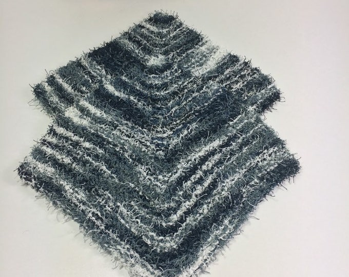 Knit washcloth / scrubby washcloth / free shipping / ready to ship / black and white washcloths / washcloth / skincare