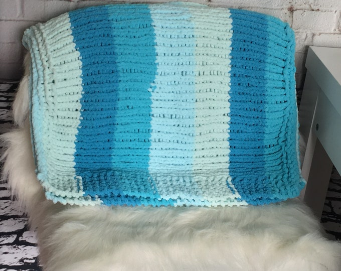 Dog blanket / gift for dog / cat blanket / knitted blanket / gift for cat / cat bed / cat bedding / dog bedding / ready to ship / boho pets